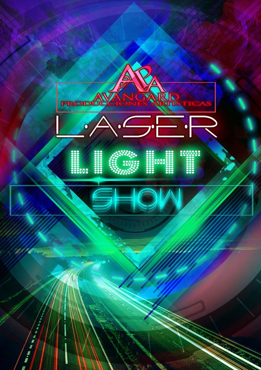 Show lleno de luminiscencia basado en los colores visibles en la luz nocturna.Con varias atracciones no solo en el escenario sino en el  público también.Muy recomendado!